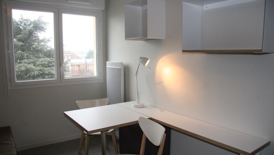 Studio équipé - Bureau 2