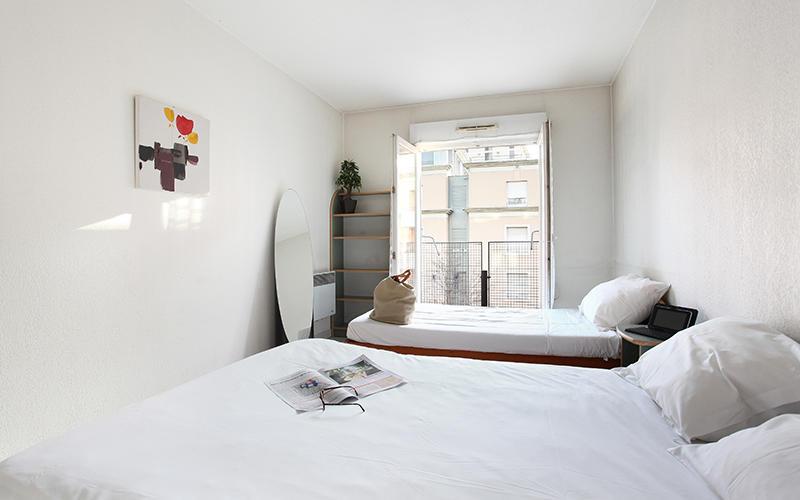 Chambre avec balcon T2