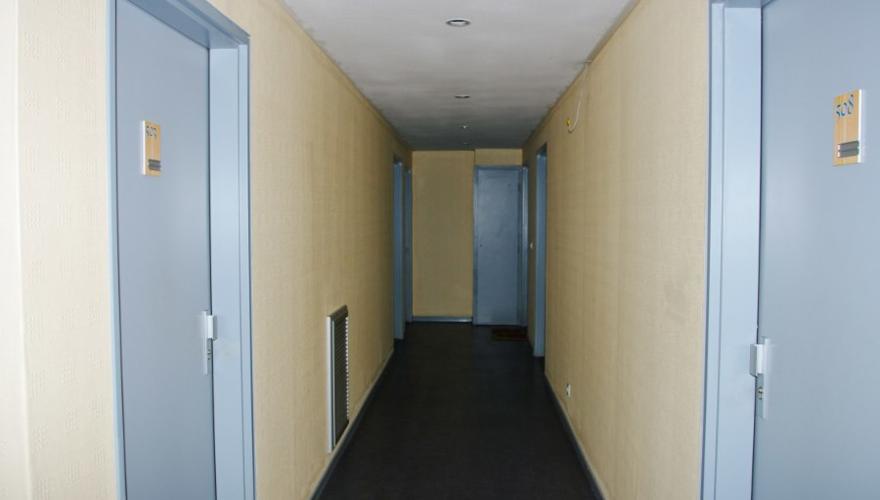 des couloirs clairs et spacieux