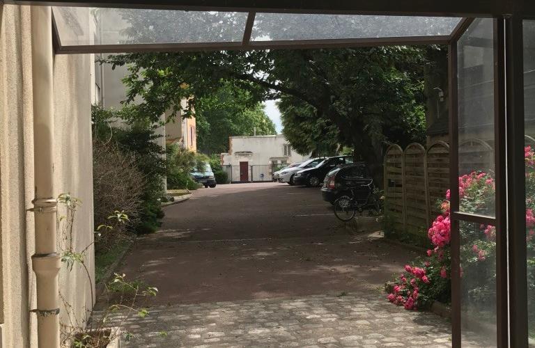 Côté parking