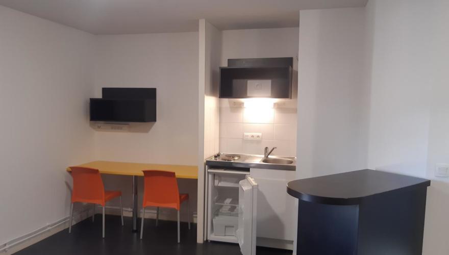 T1 bis cuisine et bureau