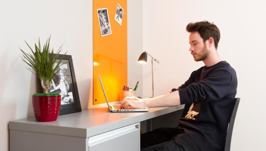 bureau dans studio