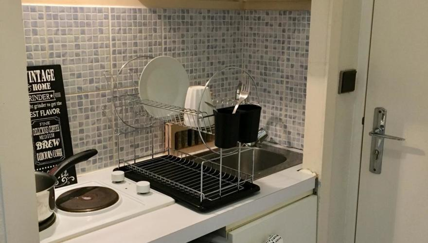 STDUIO KITCHENETTE